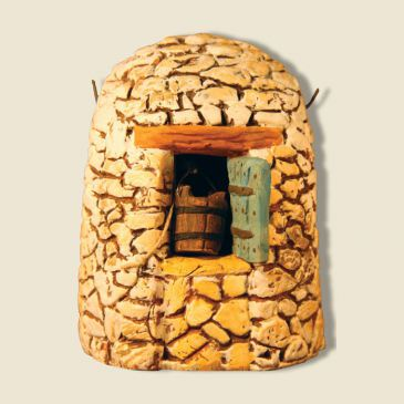 Well with stone hut (all clay)