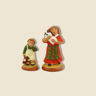 Petite fille (rouge) et son frère (vert) 6 cm